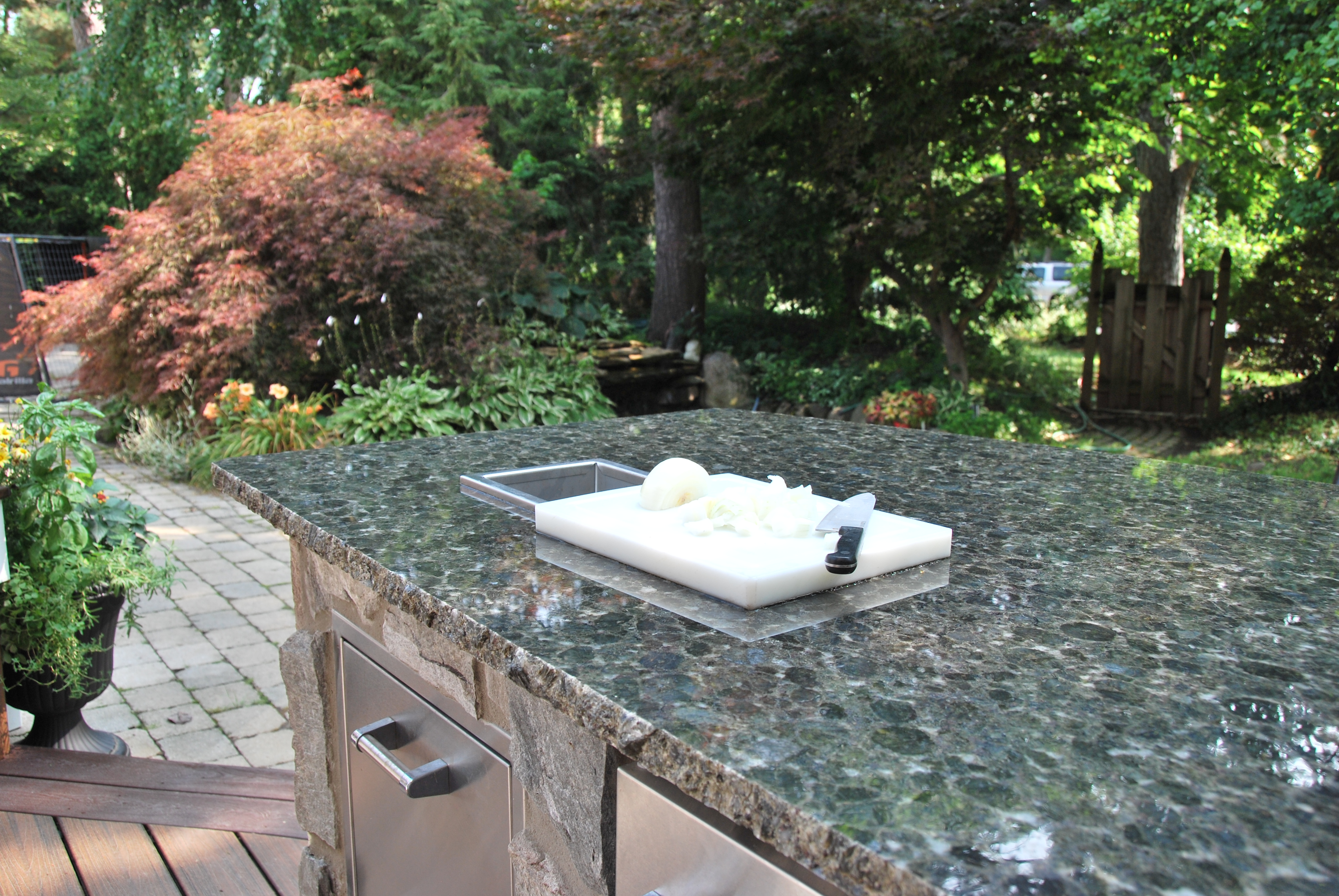 lake-outdoor-kitchen-3